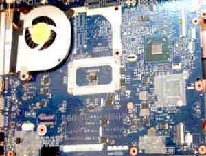 ノートパソコン BIOSチップ